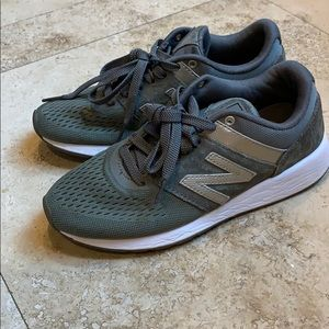 New Balance 24 sneakers preowned sz 6.5